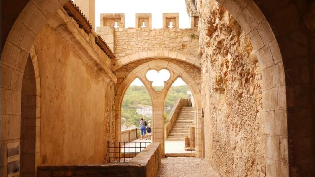 La porte romane du sanctuaire de Notre-Dame