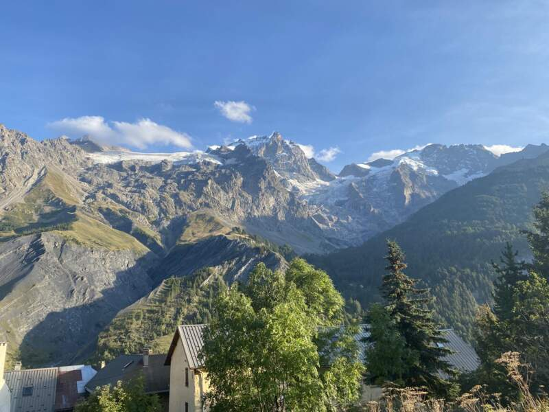 Depuis La Grave, les glaciers sont tout proches : le Tabuchet, les vallons de la Meije...
