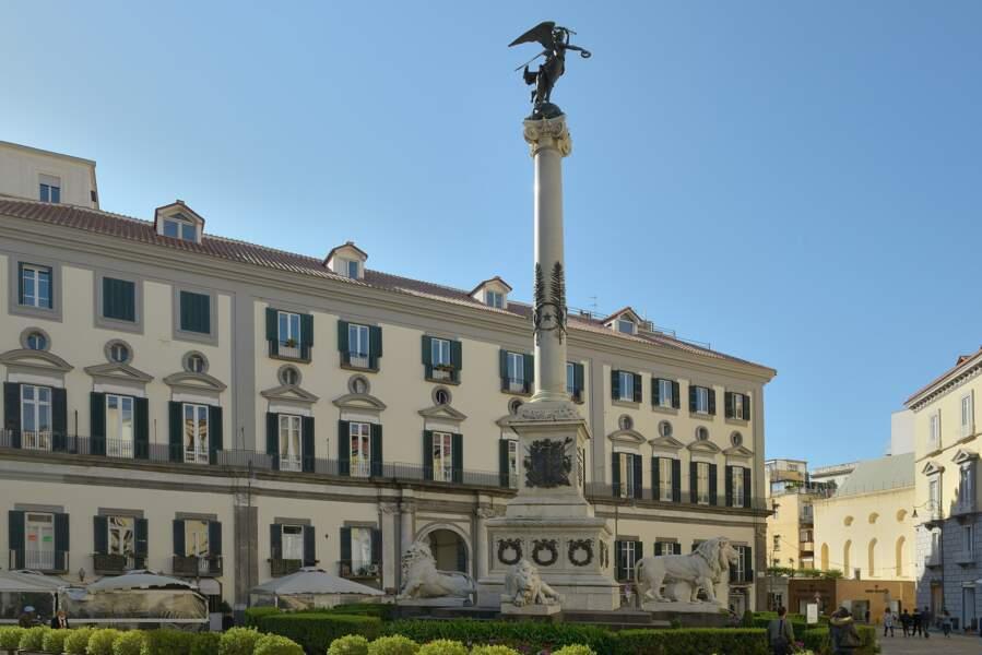 Piazza dei Martiri, Naples
