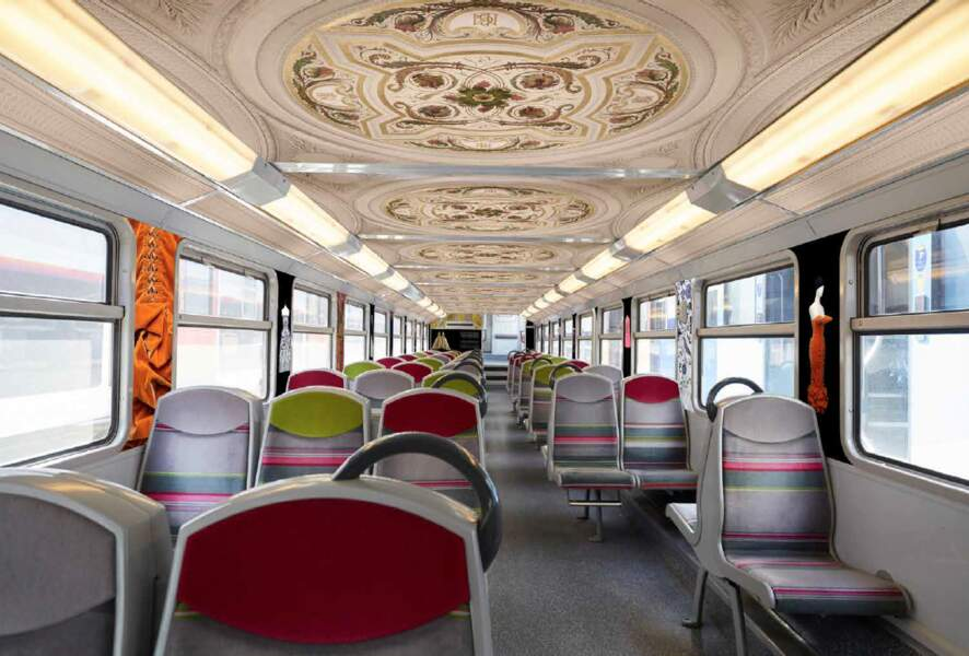 Le palais Galliera dans le RER C