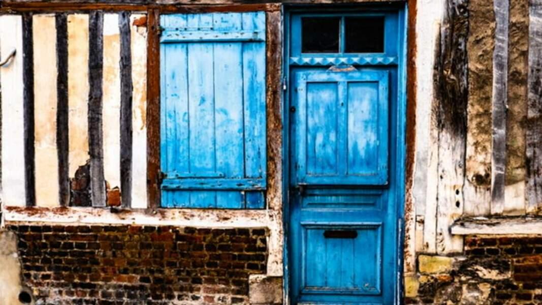 Des façades de maisons d'une autre époque